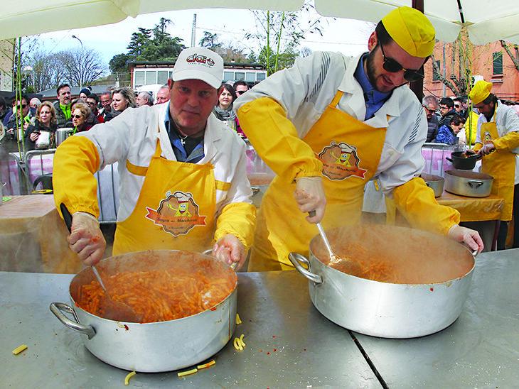 Dopo Carnevale Ponticelli è pronta per la tradizionale sagra dei maccheroni
