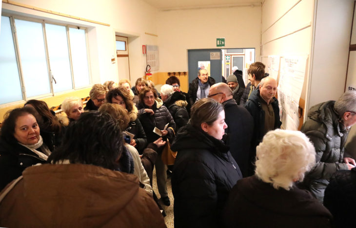 Elezioni politiche, code ai seggi. Alle 19 affluenza al 67,8% a Imola, tra il 57% e il 72% nel circondario, al 66,57% nell'area metropolitana