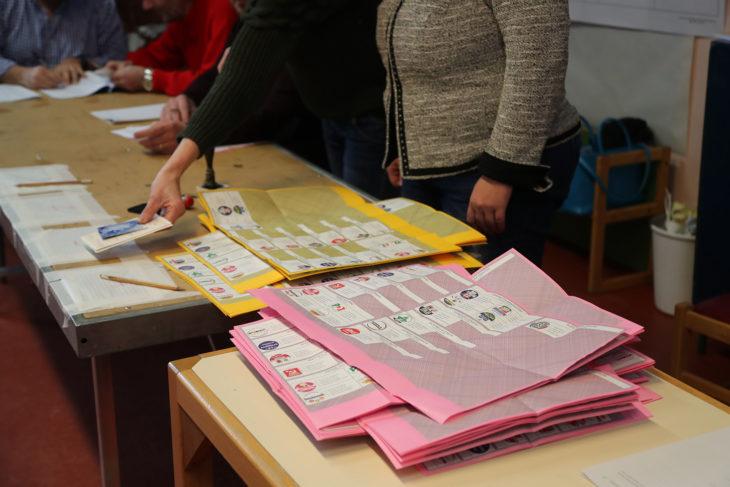 Elezioni politiche, cala il Pd, il Movimento 5 stelle primo partito in vari comuni del circondario