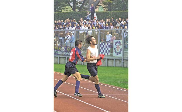 Calcio, giovedì il match dell'anno tra Imolese e Rimini. Intervista all'ex attaccante Gabbriellini