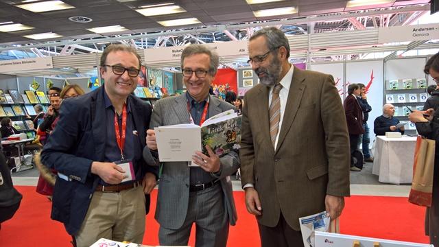 Il presidente della Federazione Europea degli Editori visita lo stand della Bacchilega Junior a Bcbf18