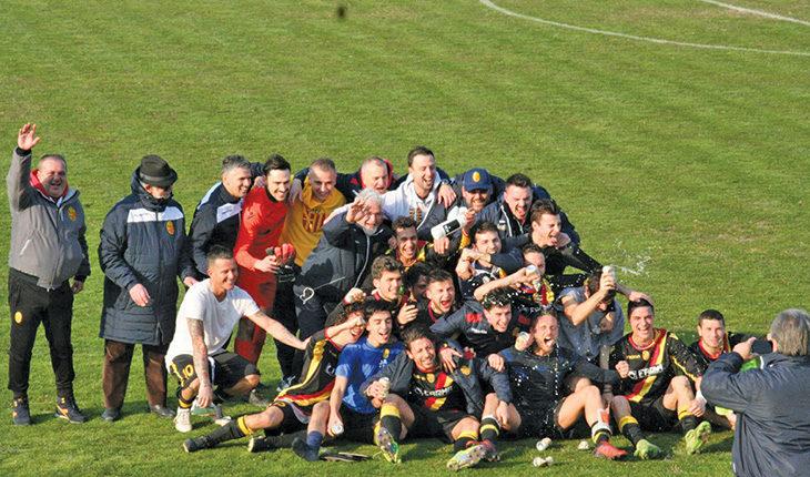 Calcio Promozione, il Medifossa è campione con largo anticipo. Intervista al mister Marco Gelli