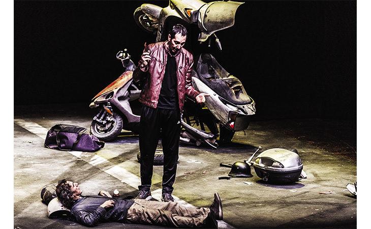 L'attore Paolo Calabresi allo Stignani con «Qui e ora». Oggi al via le prevendite