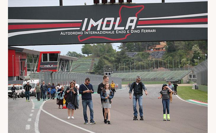 Aperture autodromo, cancelli aperti due giorni in attesa della Superbike