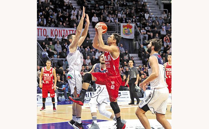 Basket Andrea Costa, futuro ancora incerto per il capitano Patricio Prato: «Vorrei giocare ancora, Imola è la mia priorità»