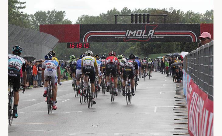 Giro d'Italia a Imola, le modifiche alla viabilità per l'arrivo della tappa
