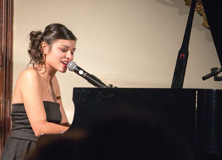 A Gocce di musica il pop al pianoforte di Milena Mingotti