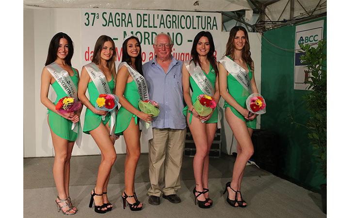 Miss, trattori, Ferrari e l'aia del contadino alla Sagra dell'Agricoltura di Mordano. IL VIDEO