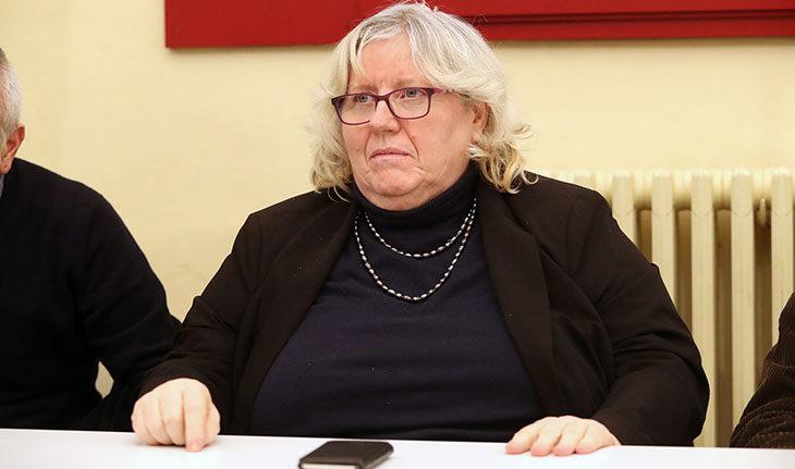 """Insultano il docente perché gay, I ragazzi sospesi sono 4. La preside: """"Lavori socialmente utili per tutti'"""