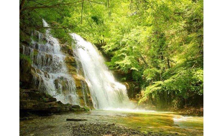 Con l'escursione del Cai alla «Grotta Urlante» si può fare il bagno nelle Foreste Casentinesi