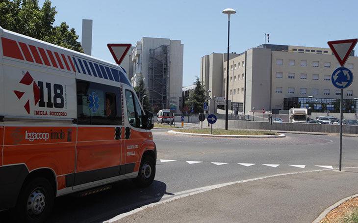 Riorganizzazione estiva dell'ospedale, i sindacati: meno letti ma poco personale per i turni notturni in Geriatria