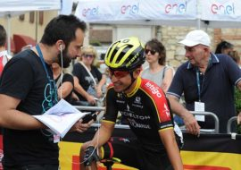 Ultime pedalate del Giro d'Italia Under 23. I tanti volontari da Imola e Mordano. Sulla Gazzetta la firma di Massimo Marani