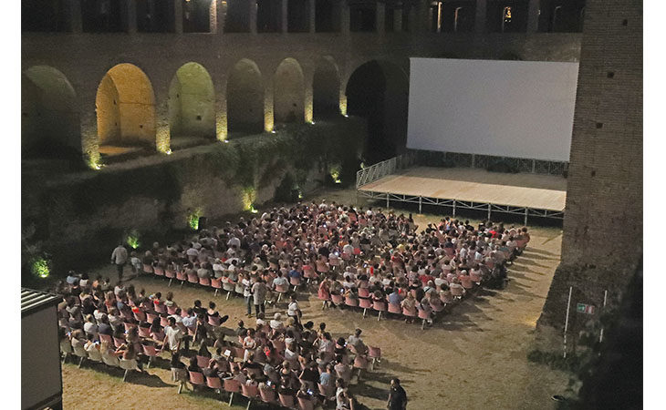 Tornano le proiezioni estive all'aria aperta con «Cinema alla Rocca», «Cinema divino» e «Cinema in tour»