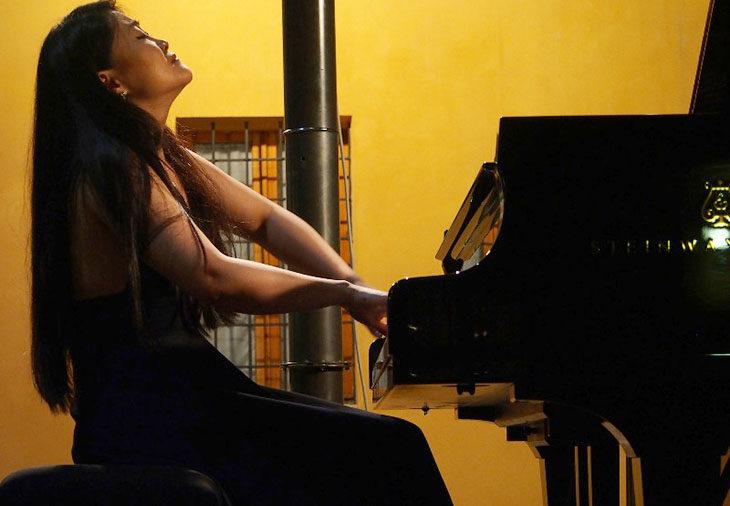 Jin Ju apre domani i concerti dell'Imola Summer Piano Academy & Festival che porta a Imola 200 giovani talenti