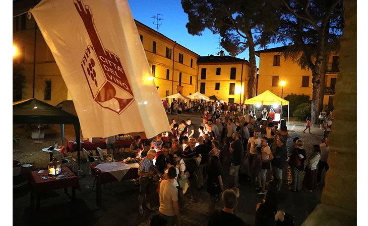 Calici di stelle, successo a Fontanelice per l'evento nella notte di San Lorenzo. IL VIDEO