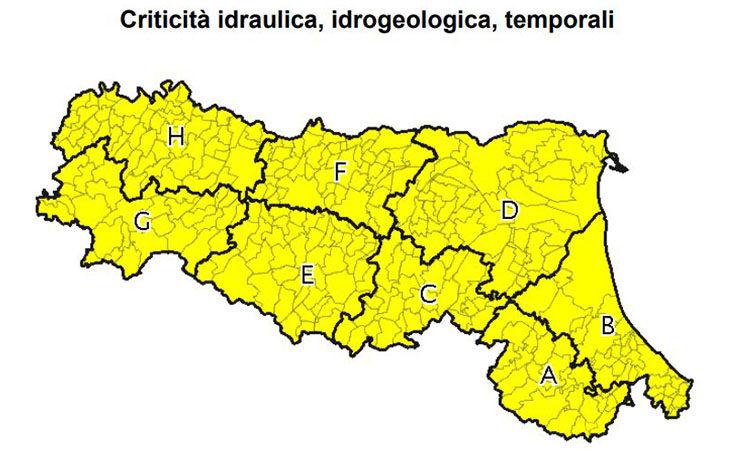 Maltempo, oggi è allerta meteo gialla per temporali su tutta la regione