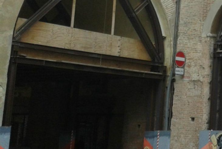 Cantieri, via Emilia chiusa al traffico dal 3 al 13 settembre nel tratto sotto il voltone del palazzo comunale