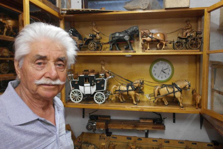 Il mondo in miniatura dell'ozzanese Dino Naldi: una passione che va avanti da 50 anni