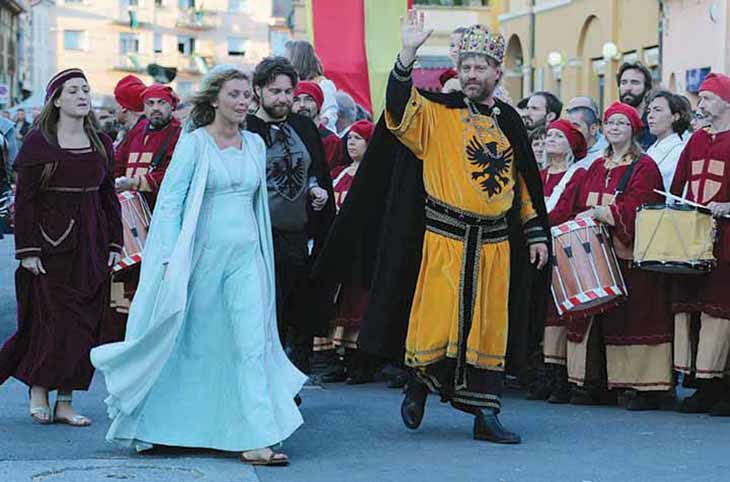 A Medicina il Barbarossa porta nel 1155 per tre giorni tra duelli, cortei e Palio della Serpe