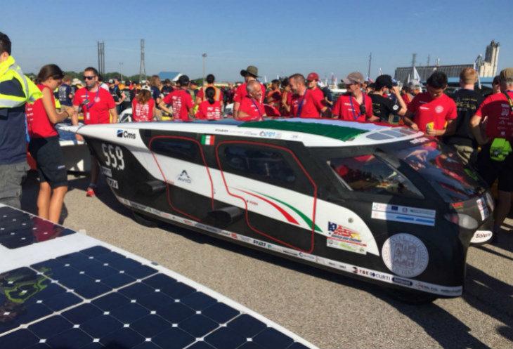 La macchina solare castellana Emilia 4 al convegno di Imola sulla mobilità sostenibile