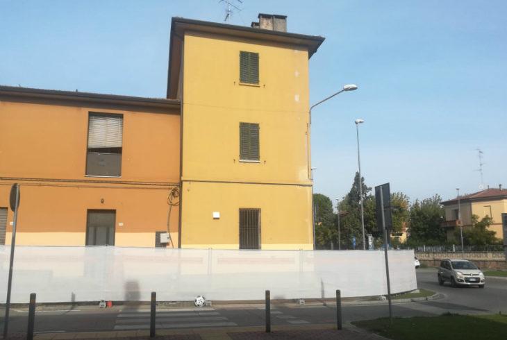 Ex Beccherucci, partiti i lavori: tra qualche settimana la demolizione dell'angolo per riaprire la Selice a doppio senso