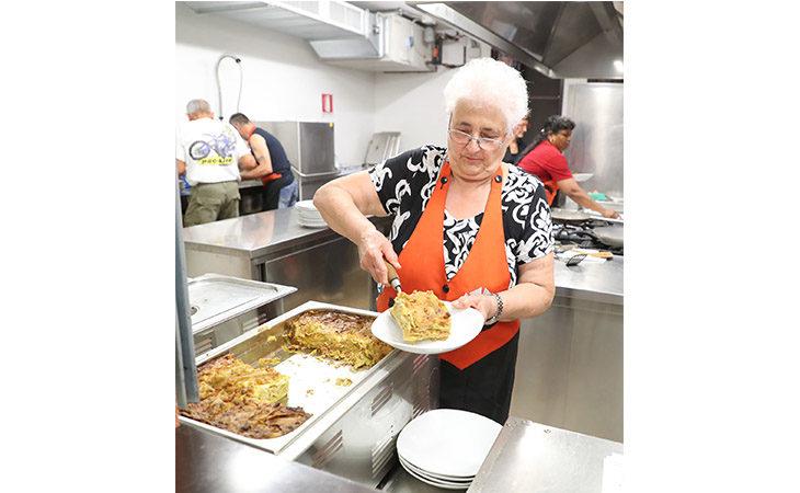 Lasagna e Sangiovese, è festa grande al centro sociale di Fabbrica. IL VIDEO