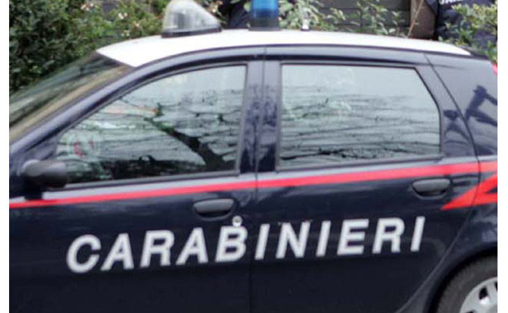 Carabiniere in borghese sventa uno scippo in centro a Imola