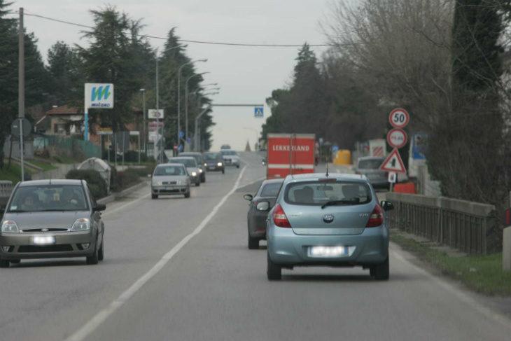 Smog, la Regione ascolta i sindaci: possono circolare i diesel euro 4, stanziati 5 milioni per le rottamazioni