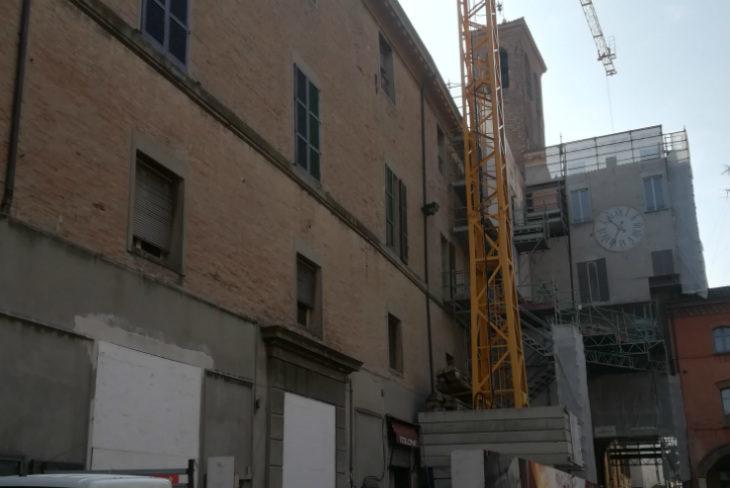 Municipio di Imola, nel 2019 i lavori di consolidamento sismico al palazzo nuovo che si affaccia su via Appia