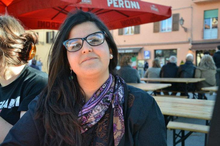 La storia di Sara Rouibi, giovane consigliera comunale di origini algerine che studia diritto delle migrazioni