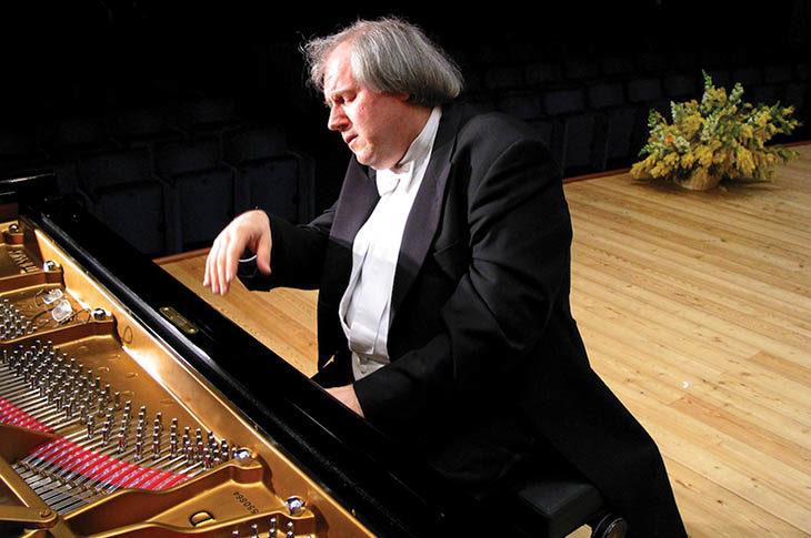 Il pianista Grigory Sokolov in concerto per l'Erf con musiche di Beethoven e Schubert