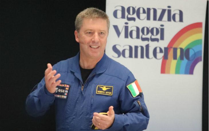Successo per l'iniziativa con l'astronauta Roberto Vittori a Imola per i 50 anni della cooperativa Cars