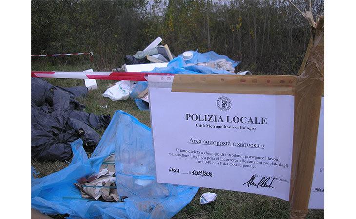 Scoperta una discarica abusiva sulla riva del Santerno, già individuato il responsabile