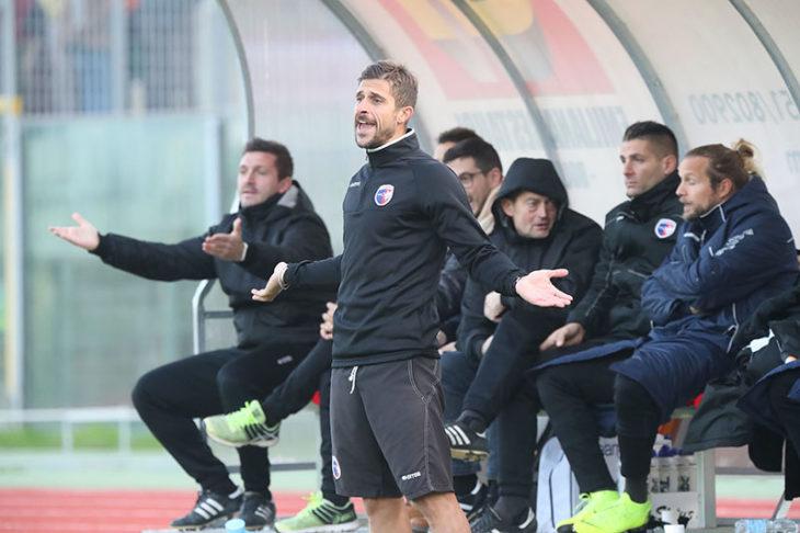Serie C, Belcastro e Valentini partono in panchina a Salò contro la Feralpi dell'Airone Caracciolo