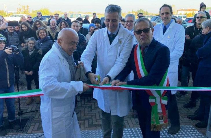 La Farmacia del Borgo di Castel San Pietro ha traslocato sulla via Emilia e farà orario continuato 8-20 dal lunedì al sabato