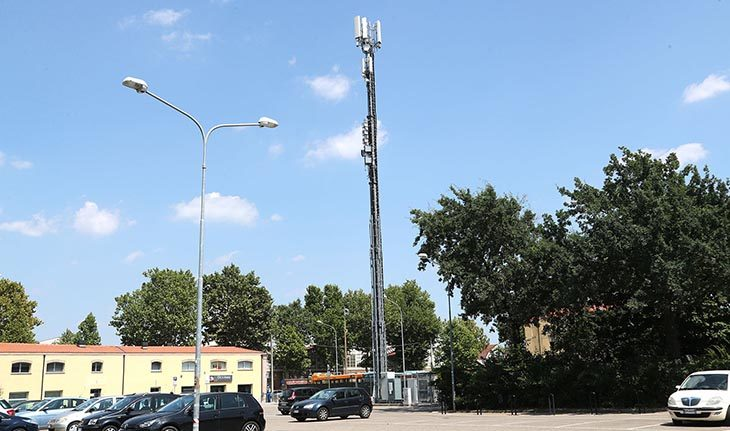 Antenne per la telefonia mobile, i controlli annuali dell'Arpae indicano valori nella norma a Imola