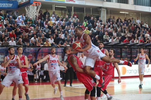 Basket A2: Imola ferma la capolista Trieste