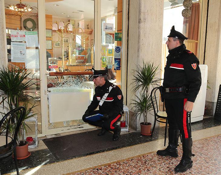 Spaccate in centro storico, si riunisce il Comitato per l'ordine pubblico dell'imolese