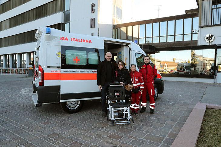 Sacmi, donata una nuova speciale sedia motorizzata alla Croce Rossa di Imola