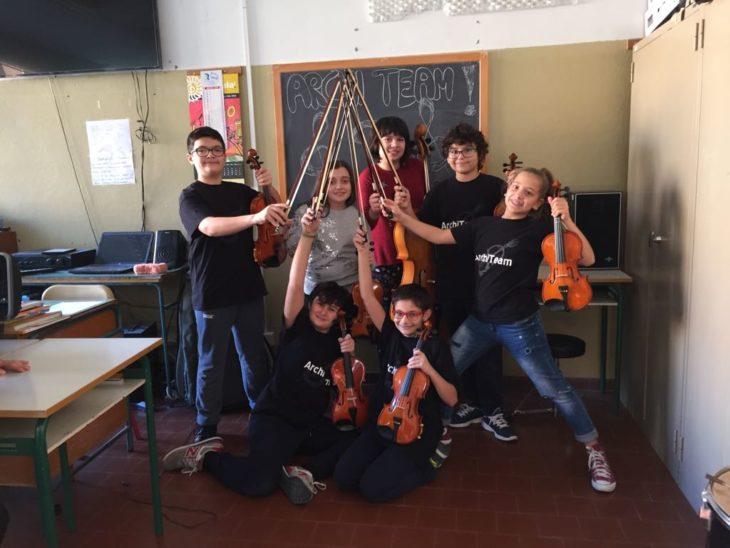 A Medicina lezioni gratuite di chitarra, canto e ocarina per gli alunni di elementari e medie