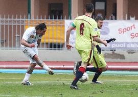 Calcio serie D, l'Imolese con Ferretti e Titone mette in ginocchio il Montevarchi
