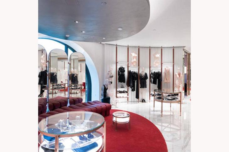 Sfumato l'accordo con i cinesi, la lingerie de La Perla passa nelle mani della Sapinda Holding
