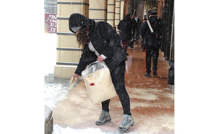 Neve, domani scuole chiuse in tutto il circondario imolese e Ozzano. Da stanotte allerta gelicidio