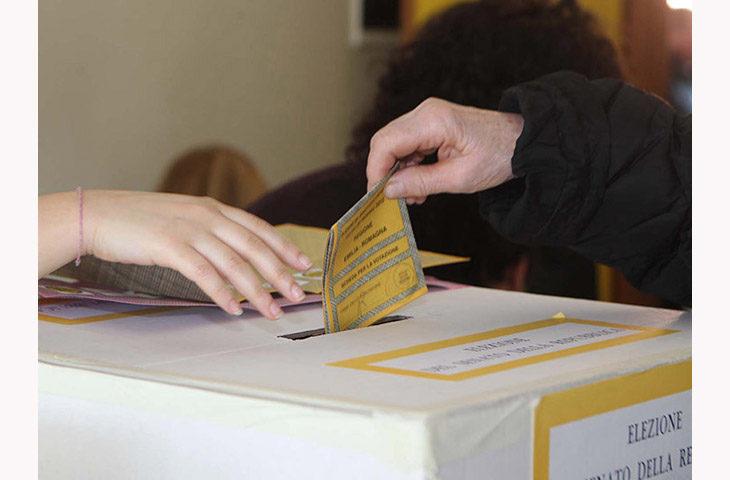 """Elezioni politiche, le curiosità: il collegio più """"rosa', i candidati più giovani e quelli più """"maturi'"""