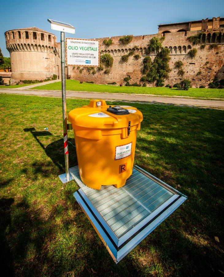 Green economy, l'importanza di raccogliere gli oli esausti (ma non alla rocca di Imola)