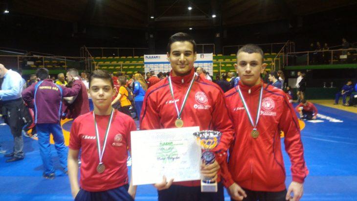 Minguzzino campione italiano juniores per il secondo anno, tre medaglie da Ostia per l'Unione sportiva imolese lotta