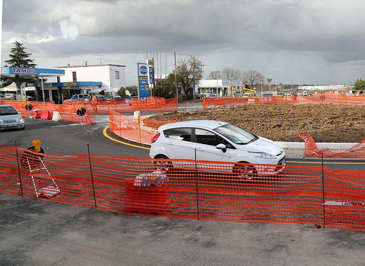 Viabilità, aperta oggi la nuova rotonda tra via Emilia e via Torricelli a Castello
