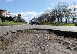 Buche sulle strade dopo il maltempo, un milione di euro per ripararle