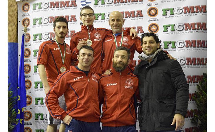 Lotta, l'Usil conquista quattro medaglie ai tricolori Mixed Martial Arts