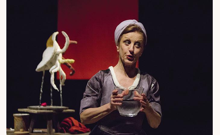 Marinella Maricardi sul palco dello Stignani con «Nelle mani di Anna»